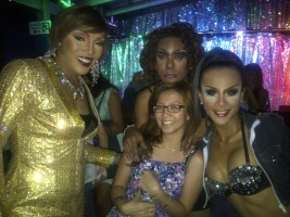 "Photo op with the ""ladies"". Had fun watching their show! (Sept.'12)"