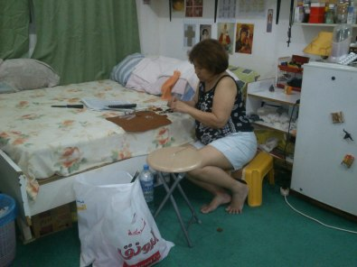 Mommy serious at DIY-ing. Hihi.