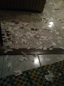 SSG friends showered me papel confetti during my first bridal shower. (Jul.'12)