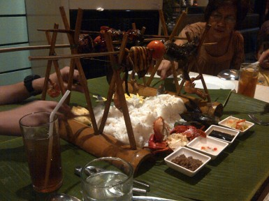 At Seafood Island, Alabang Town Center with the dela Cruz family. (Oct.'12)