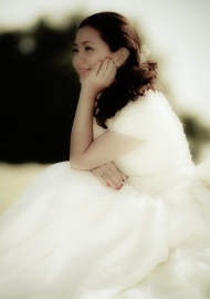 Bride alone photo shoot with friends. (Feb.'12)